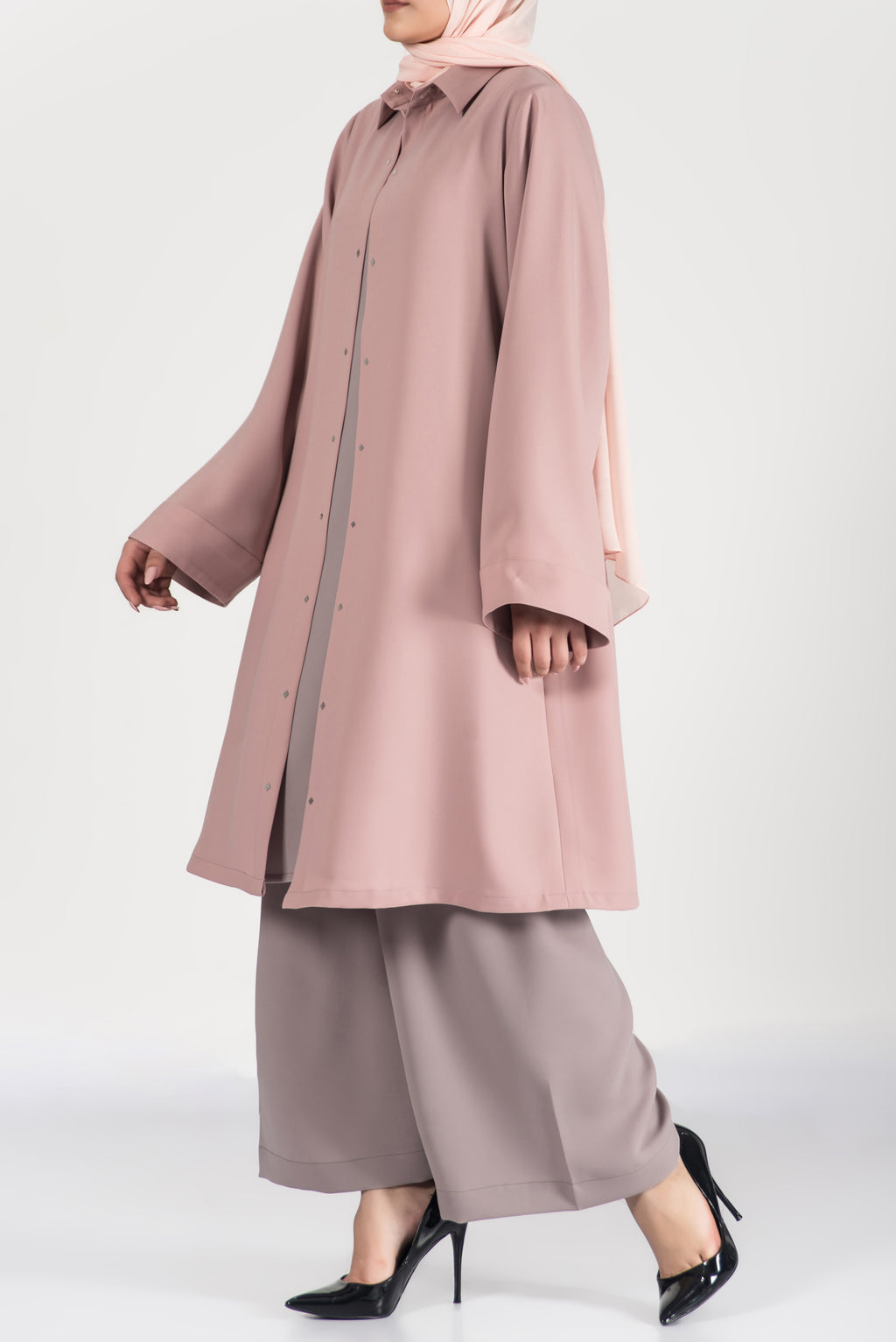 Pink Travel Wear | thowby ثــوبــي | Fashionable Islamic clothing | online boutique