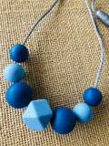 Janzbeadz - silicone bead necklace - blues