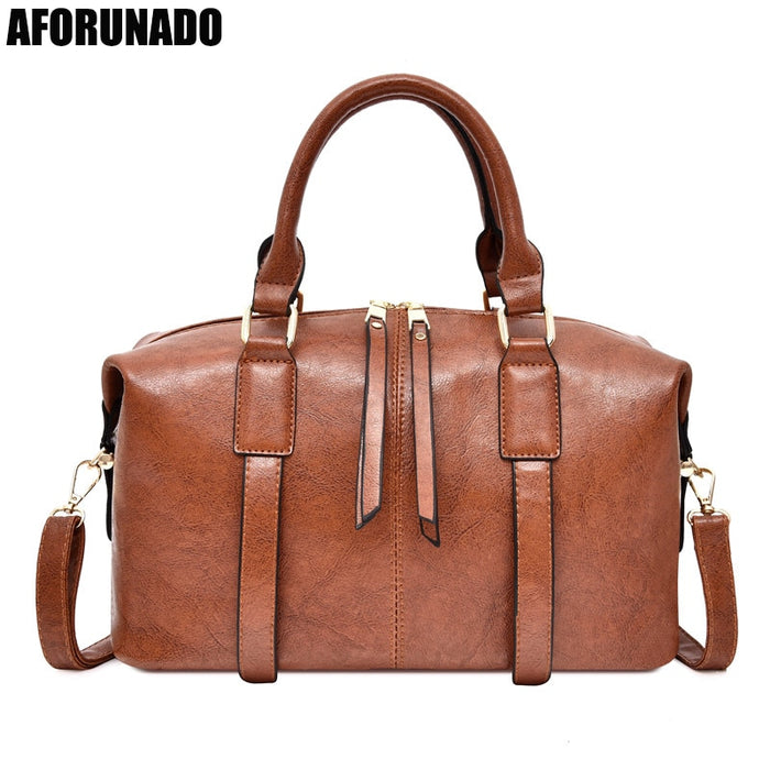 2019 Luxury Oil Women Handbag Leather Doctor Bag Women Shoulder Bag Female Crossbody Handbag Lock ChainGirls Vintage Women Bags