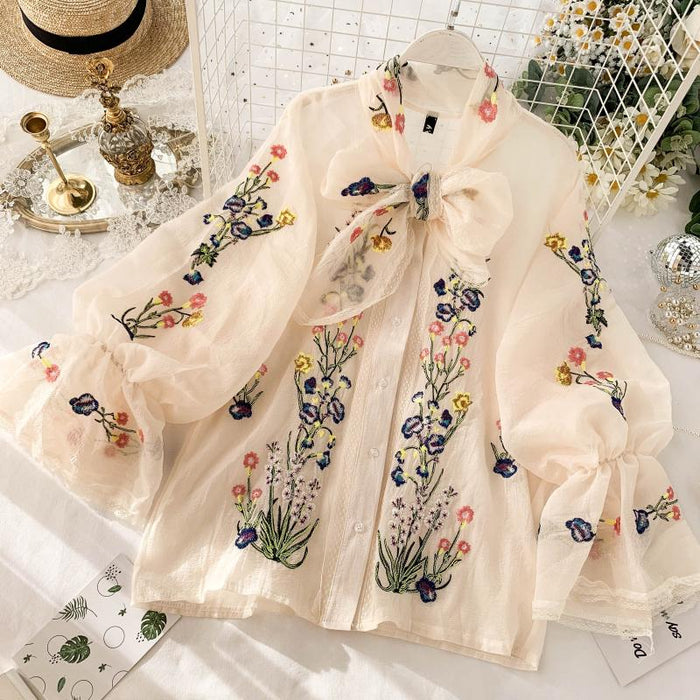 New fashion women's French Vintage Embroidered Shirt Long Sleeve Loose Top