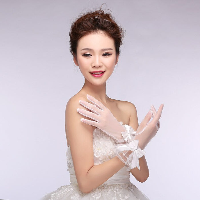 Gorgeous Soft Tulle Full Finger Bridal Gloves With Bow Adorned Short Wedding