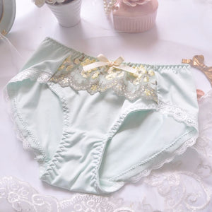 Young girls small Fresh Sleep Underwear Lace Love Embroidery Thin Cup With Pad Embroidery Japanese Lingerie Bra and Panty Sets