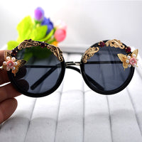 Fashion Rose Flower Sunglasses for Women Round Sun Glasses Mirror Butterfly Pearl Decoration Eyewears Oculos Brand Designer