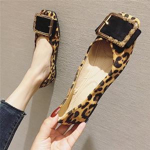 Leopard Shoes Women Flats Casual Slip-on Boat Shoes Woman Footwear Elegant Ladies Shoes Metal Design A1423