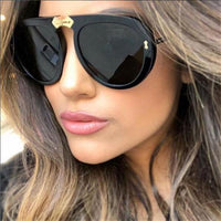 Luxury Oversized Sunglasses Women Retro Brand Designer Big Frame Sun Glasses Trendy Black Shades 90s Clear Glasses Pilot Style