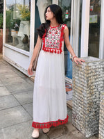 Summer new Korean version of tourism holiday Bohemian beach long dress Nepal national style embroidered long dress