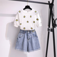 New Arrival Sweet daisy Embroidery Knitted Two piece Sets Women Simple Flower Embroidery