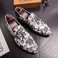 Men Casual Classic Flower Pointed Casual Shoes Slip On Business Shoes Men Business Dress Shoes Formal zapatos de hombre