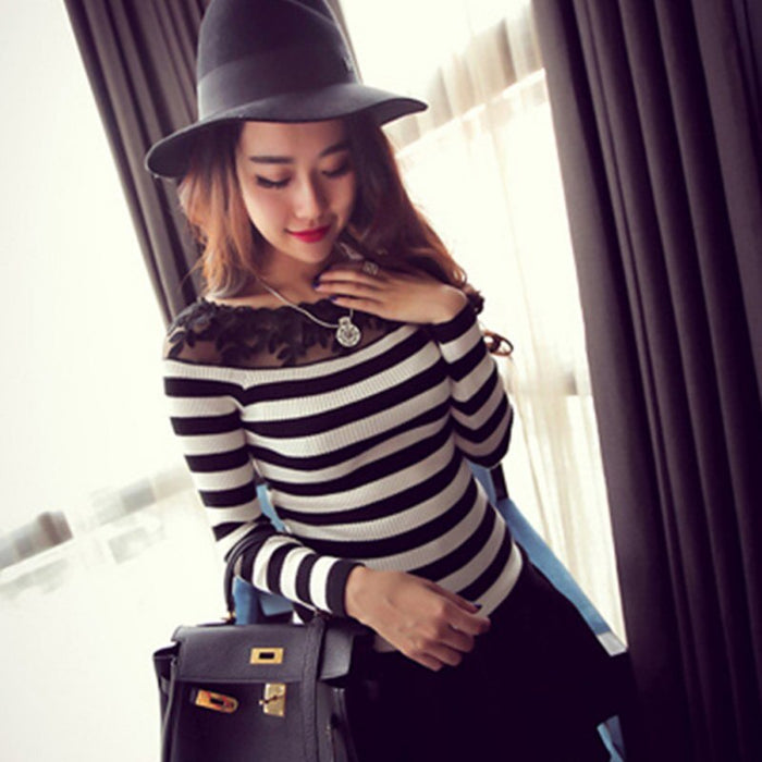 High Quanlity Autumn Temperament Lace Decoration Slash Neck Slim T-Shirt Long Sleeve Fashion Stripe Black Casual Tops