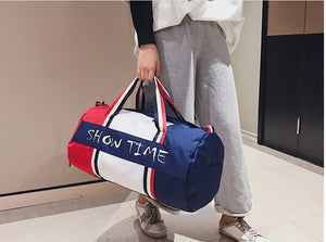 Panelled Women Men Fitness Bags Shoulder Cross Body Waterproof Travel Bag Unisex Large Capacity Duffle Street Letter Totes D895