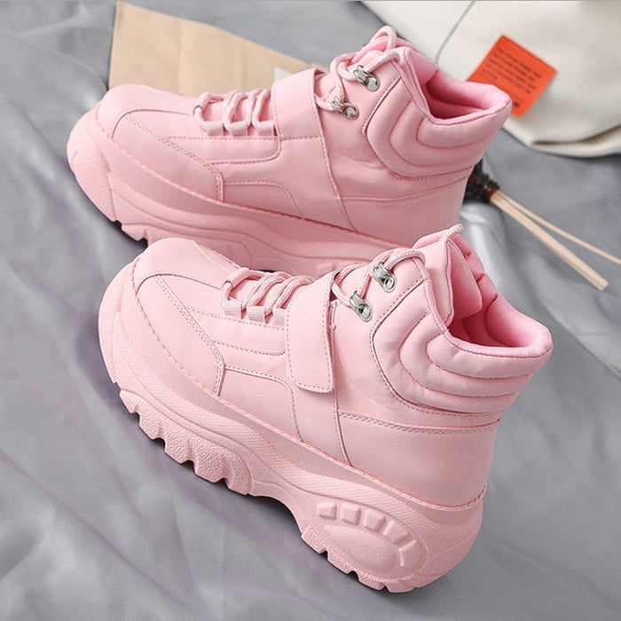 The new hot-selling casual Women shoes spring autumn thick bottom high fashion trend Ms booties Comfortable soft white shoes