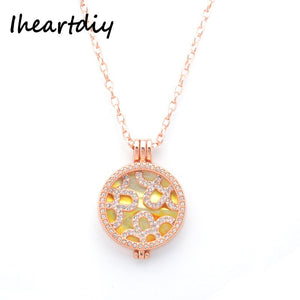 33MM Flower Shell Coin Disc Pendant Necklace Set with 35MM Coin Holder Plus 80CM Chain For Women Gift 1 Set