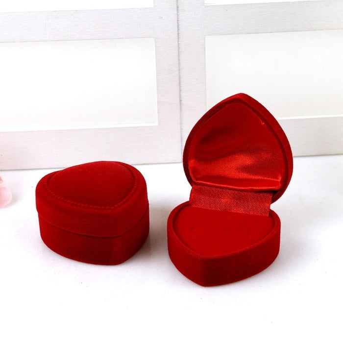 1pcs Red Heart Shaped Ring Boxes Mini Cute Red Carrying Cases For Rings Lid Open Velvet Display Box Jewelry Packaging