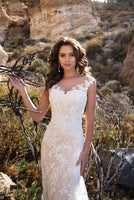 Sleeveless Double Shoulder Neck Appliqued Lace Wedding Dresses