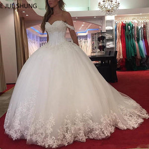 E JUE SHUNG White Lace Appliques Ball Gown Wedding Dresses Sweetheart