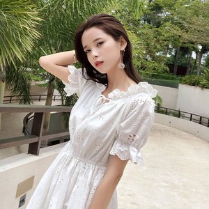Mishow 2019 Women Hollow Out Retro Lace Dress Ladies Mini Dress Casual Beach Dress Fashion Dress MX18B1240