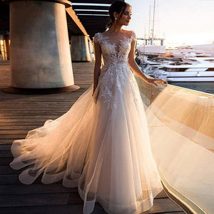 Boho Beach Wedding Dress O-Neck Appliques Lace Top Vintage Princess Wedding