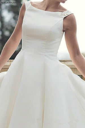 Vintage Short Tea Length Wedding Dresses Simple Scoop Neck Ball Gown Satin