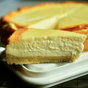 Baked Honey and Peach Cheesecake