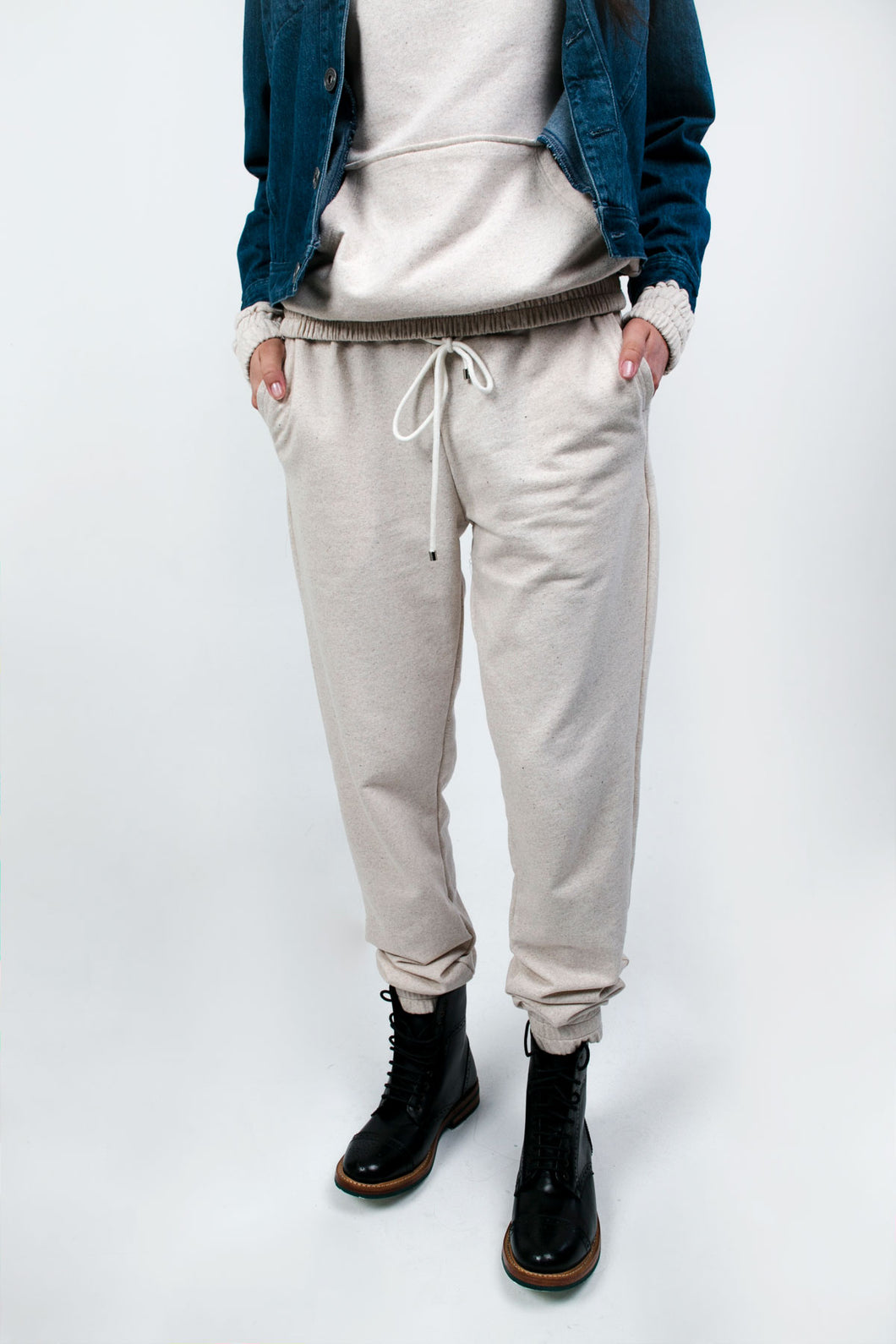 The Gore Jogger Beige