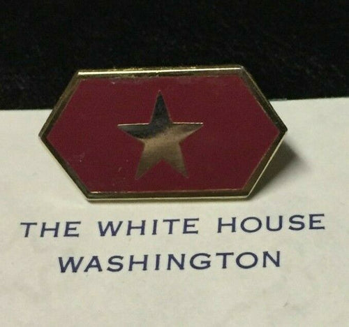 DONALD TRUMP - RARE WHITE HOUSE PRESIDENTIAL GUEST HARD PIN - WHITE HOUSE-ISSUE