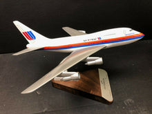 Load image into Gallery viewer, Pacific Miniatures Desk Model United Airlines - Friendship One - RARE