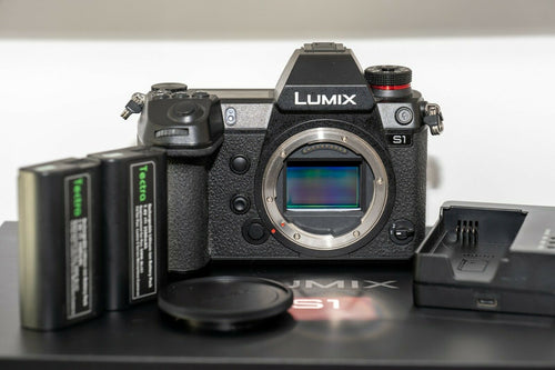 Panasonic LUMIX DC-S1 with V-Log (Body Only)