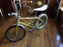 "Load image into Gallery viewer, Vtg Rare Rand Superia 22"" Simulated Wood Console 5sp Auto Sting Ray Belgium Bike"
