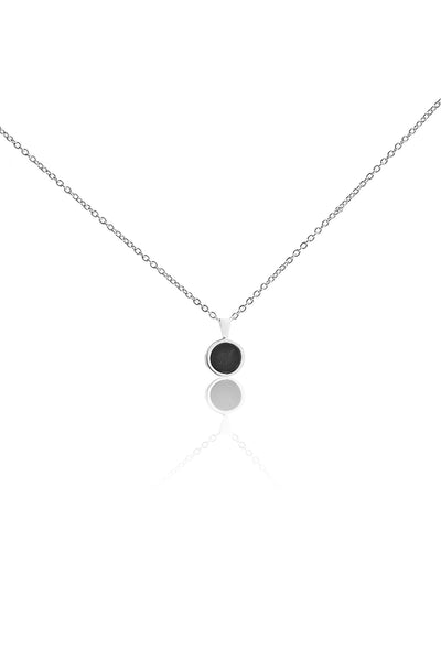 BLACK OCEAN NECKLACE