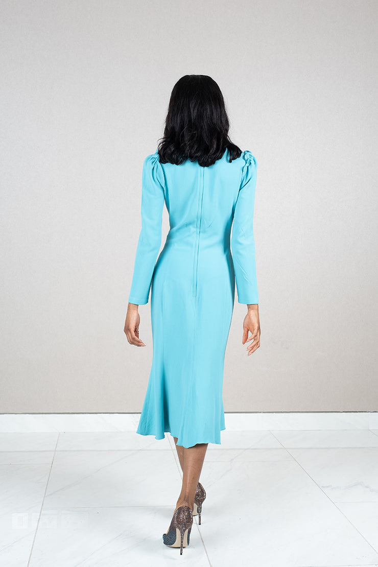 Round neck fitted crepe midi dress