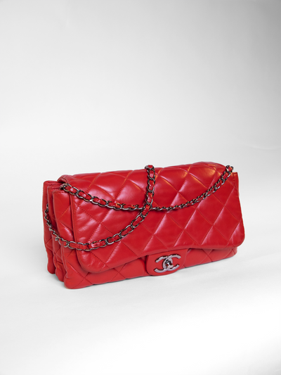 Lambskin classic flap shoulder bag