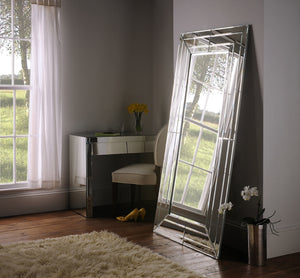 Monte Carlo Free Standing Mirror