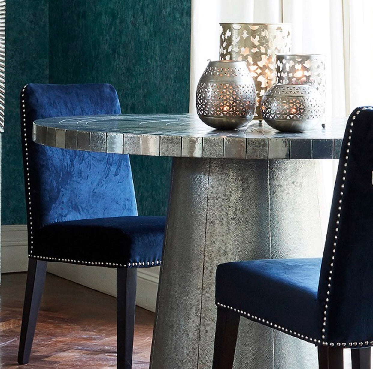 Coco Embossed Round Dining Table