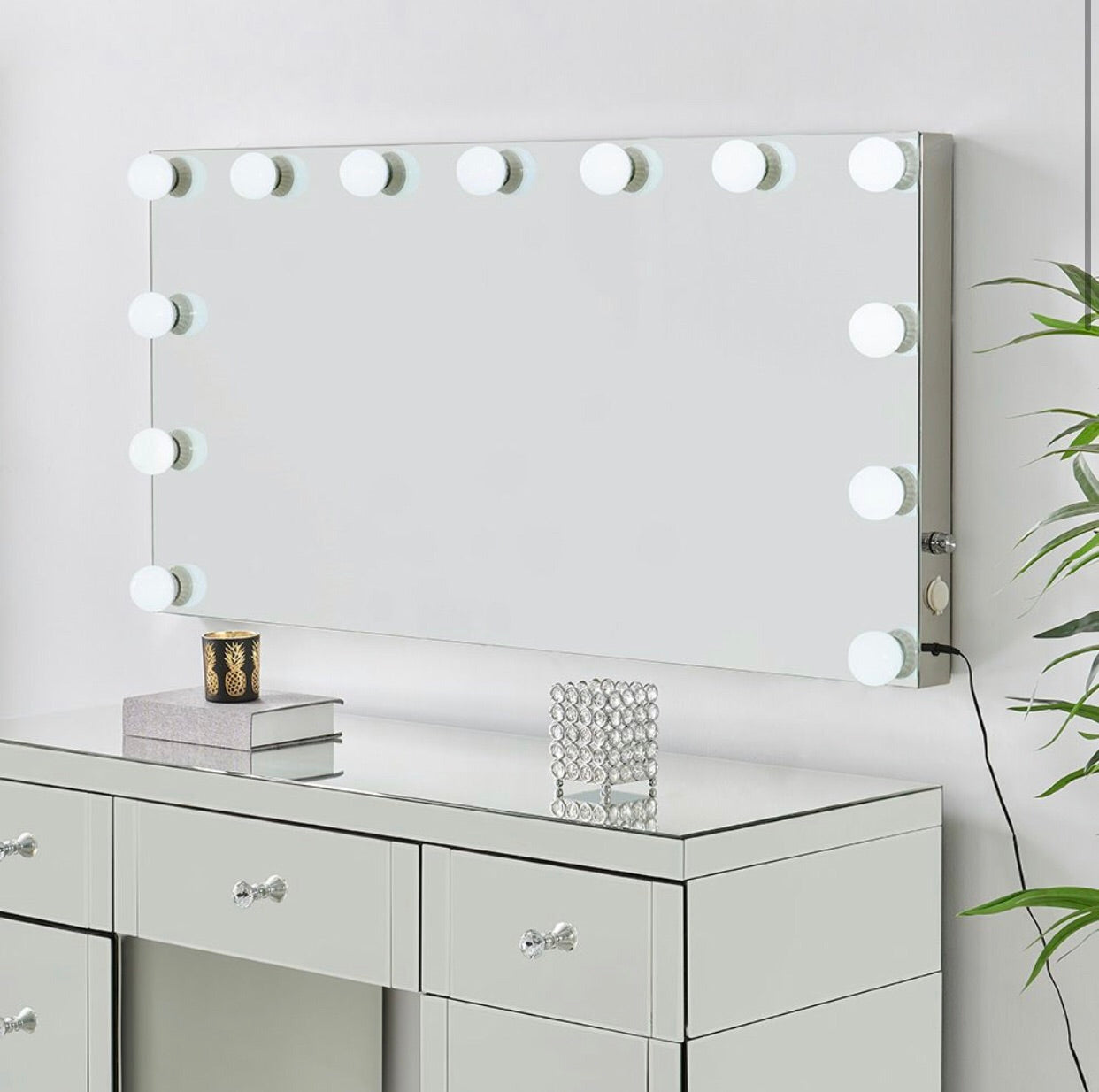 Hollywood Dressing Table and Mirror - Mirrored