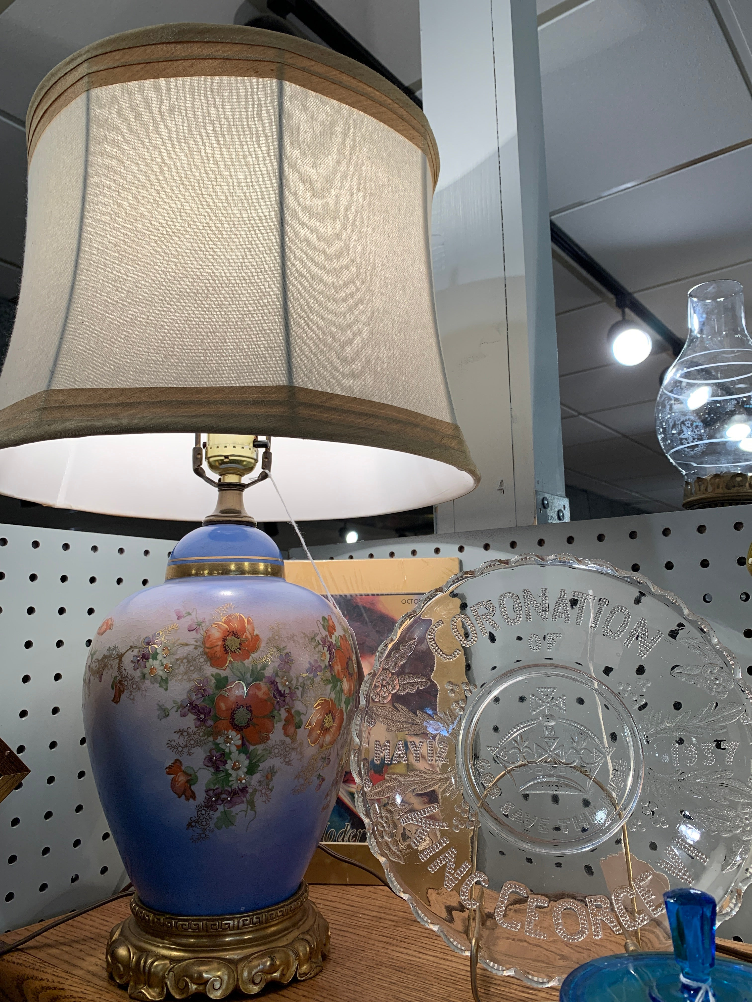 Gold floral lamp