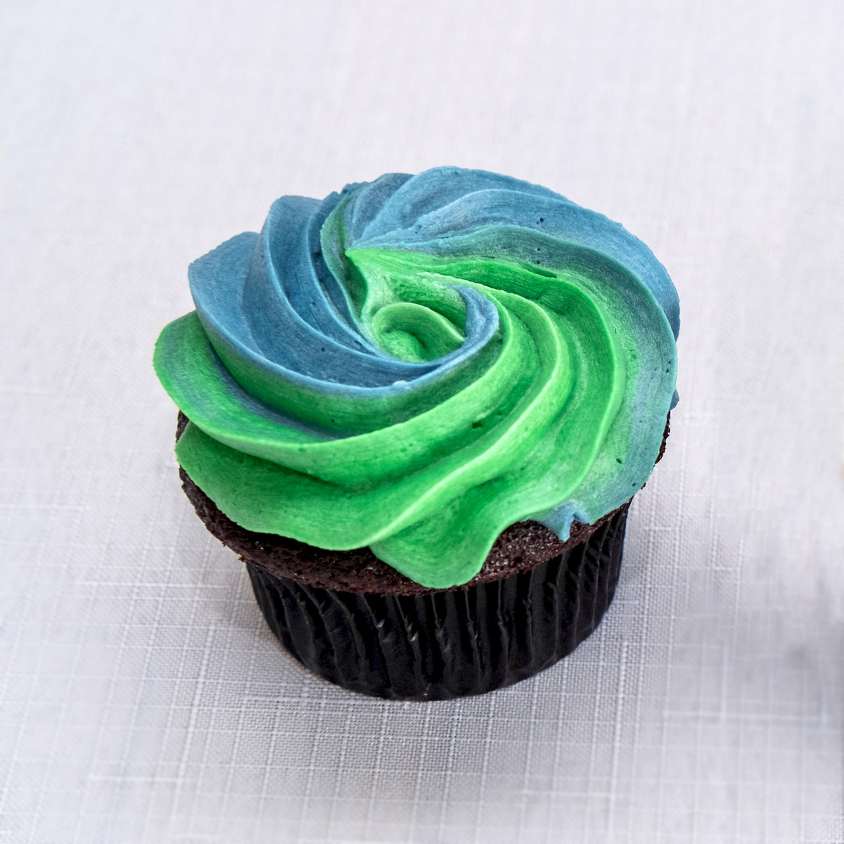 Solid or Swirled Graduation Cupcake