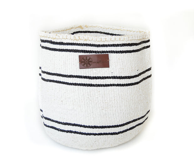 White storage basket for everyday use. Made from Sisal and recycled plastic under fair trade condition