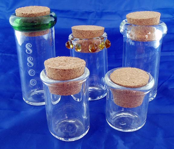 GREAT DEAL. RANDOM MIXED PACK OF 5 GLASS NUG JARS. NUG-MIX
