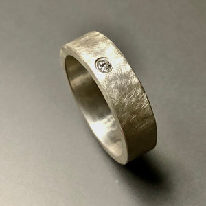 Diamante band.  Size 7.5.