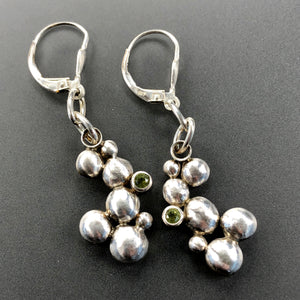 Dangling bubble earrings with peridot