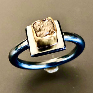 Cube diamante ring.  Size 7.