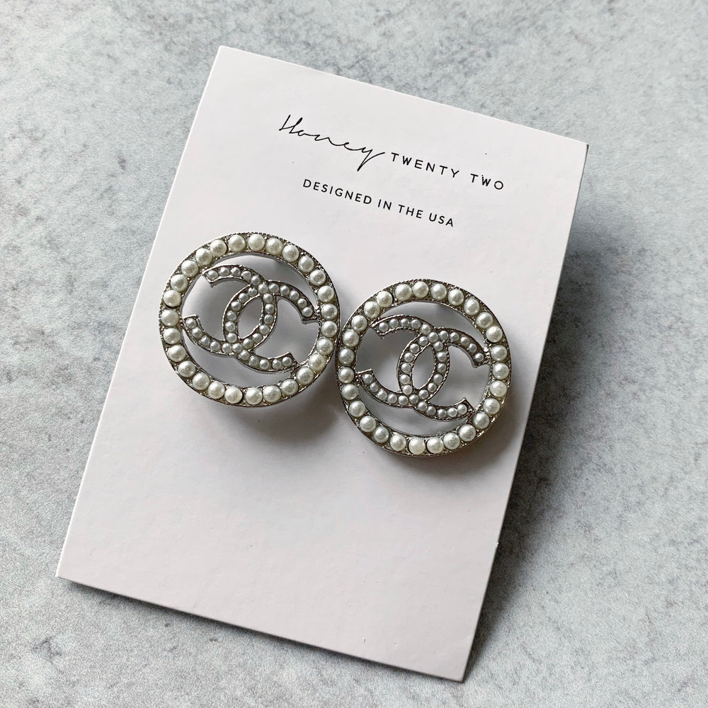 'Gloria' Classic Pearl Stud Earrings