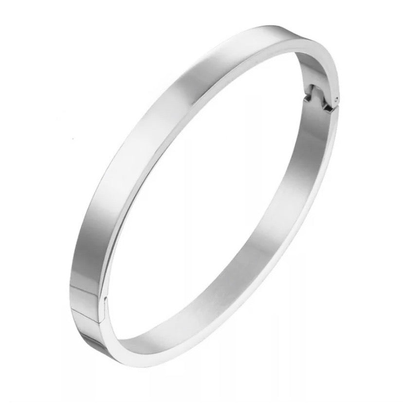 'Amelie' Classic Smooth Bangle - Silver