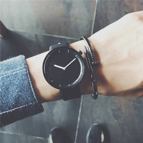 Black Clock Wristwatche