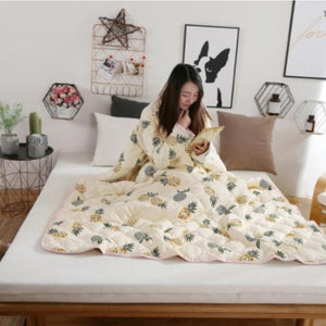 Winter Lazy Quilt with Sleeves Comforter Duvet