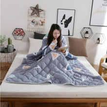 Load image into Gallery viewer, Winter Lazy Quilt with Sleeves Comforter Duvet
