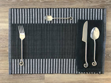 Load image into Gallery viewer, Kandiyan Black Placemat - Set of 2