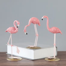 Load image into Gallery viewer, Resin Flamingo Simulation Animal Statue