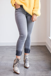 The Murphy High Rise Jeans In Lt Grey