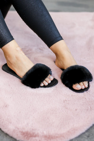 The Jane Faux Fur Sandals in Black